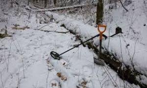 С металлодетектором  во время таяния снега?